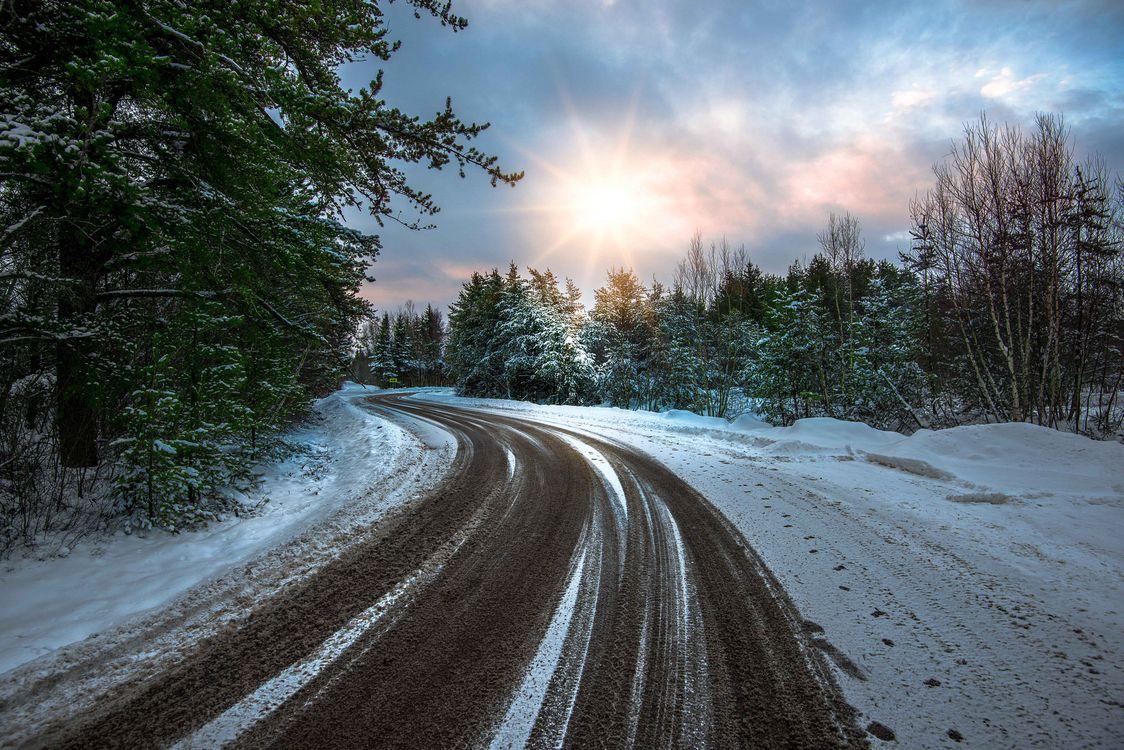 Зимняя дорога · бесплатная заставка