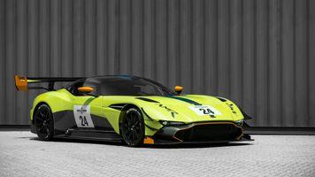 Photo free side view, Aston Martin Vulcan, green