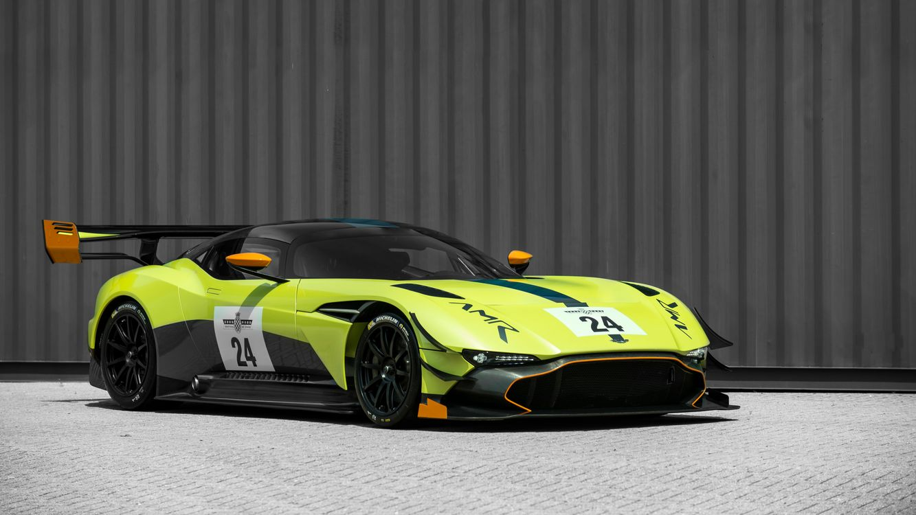 Photo side view Aston Martin Vulcan green - free pictures on Fonwall