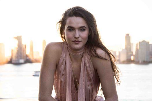 Photo free music, Sophie Hawley Weld, singer