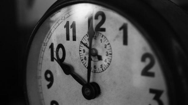 Photo free black and white, white, clock
