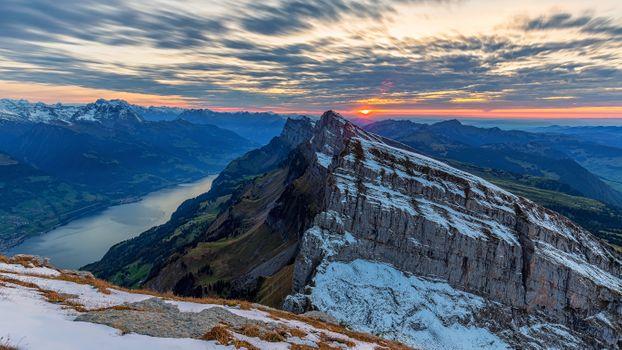 Фото заката в горах