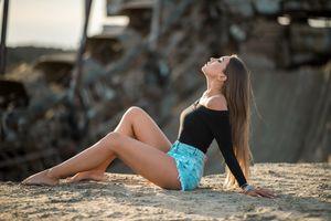Photo free girls, legs, sand