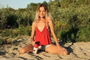Бесплатные фото Lina, модель, красотка, голая, голая девушка, обнаженная девушка, позы