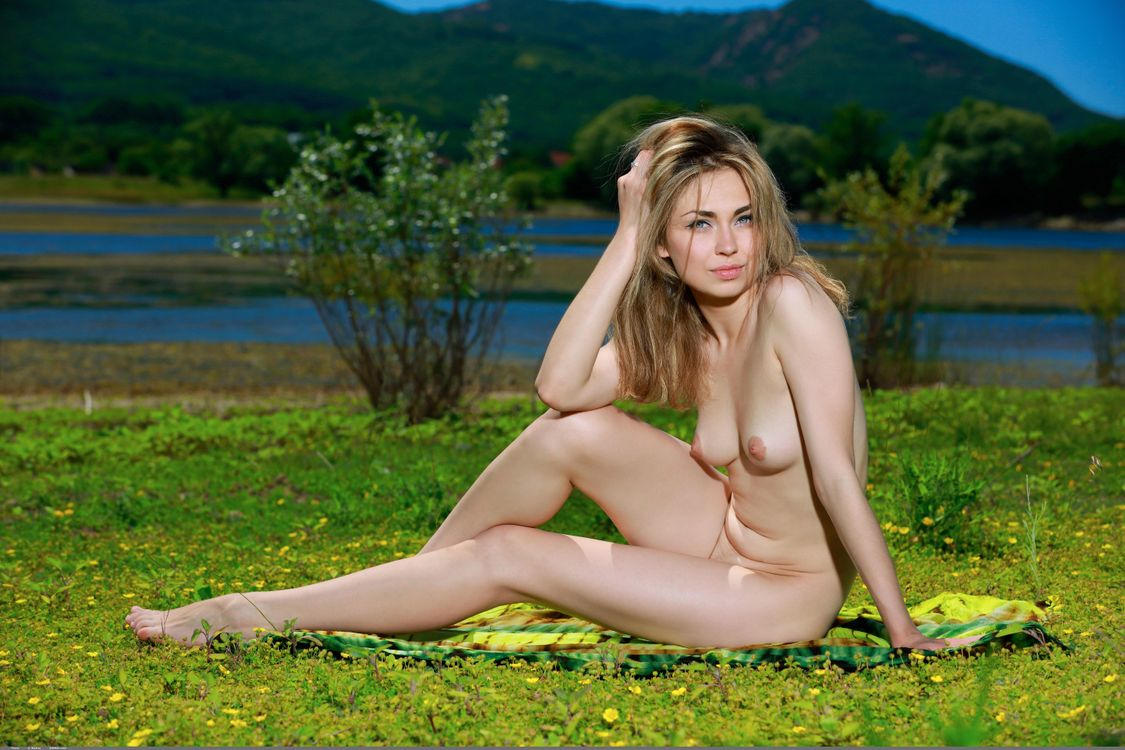 Фото голых девчонок от 18 лет, Домашнее фото голой девушки 18 лет 24 фотография