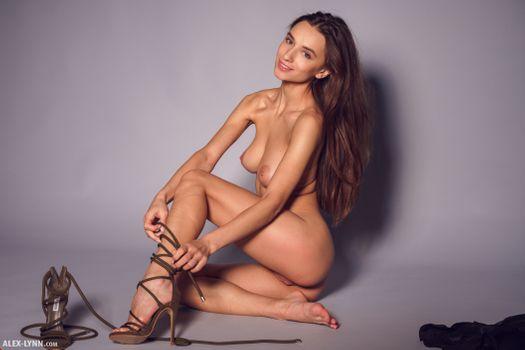 Gloria naked in heels