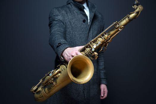 Фото бесплатно баритон-саксофон, деревянный духовой инструмент, духовой инструмент