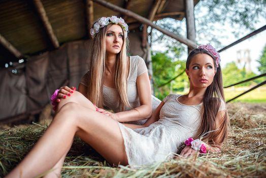Photo free girls, women outdoors, woman