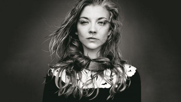 Photo free actress, Natalie Dormer, monochrome