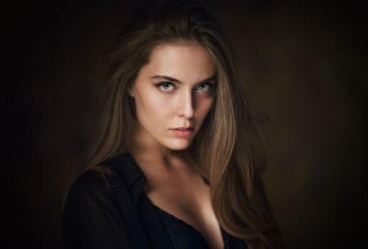Photo free portrait, Amina Katinova, brown-haired