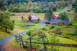 Бесплатные фото осень,Вермонт,холмы,дома,дорога,деревья,пейзаж