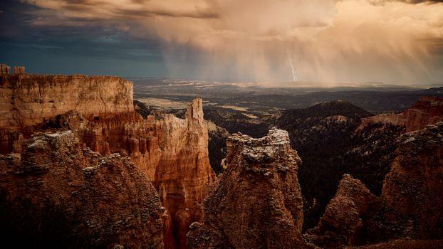 Заставки природа, горы, молнии