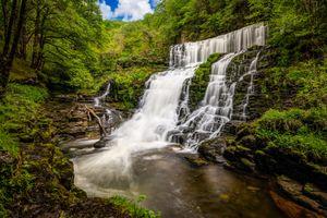 Бесплатные фото река,водопад,скалы,деревья,природа