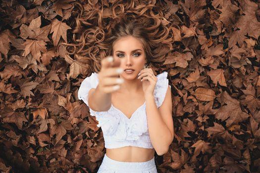 Заставки девушки, модели, осень