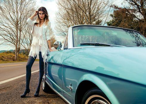 Фото бесплатно Морена Роза, автомобиль, женщины
