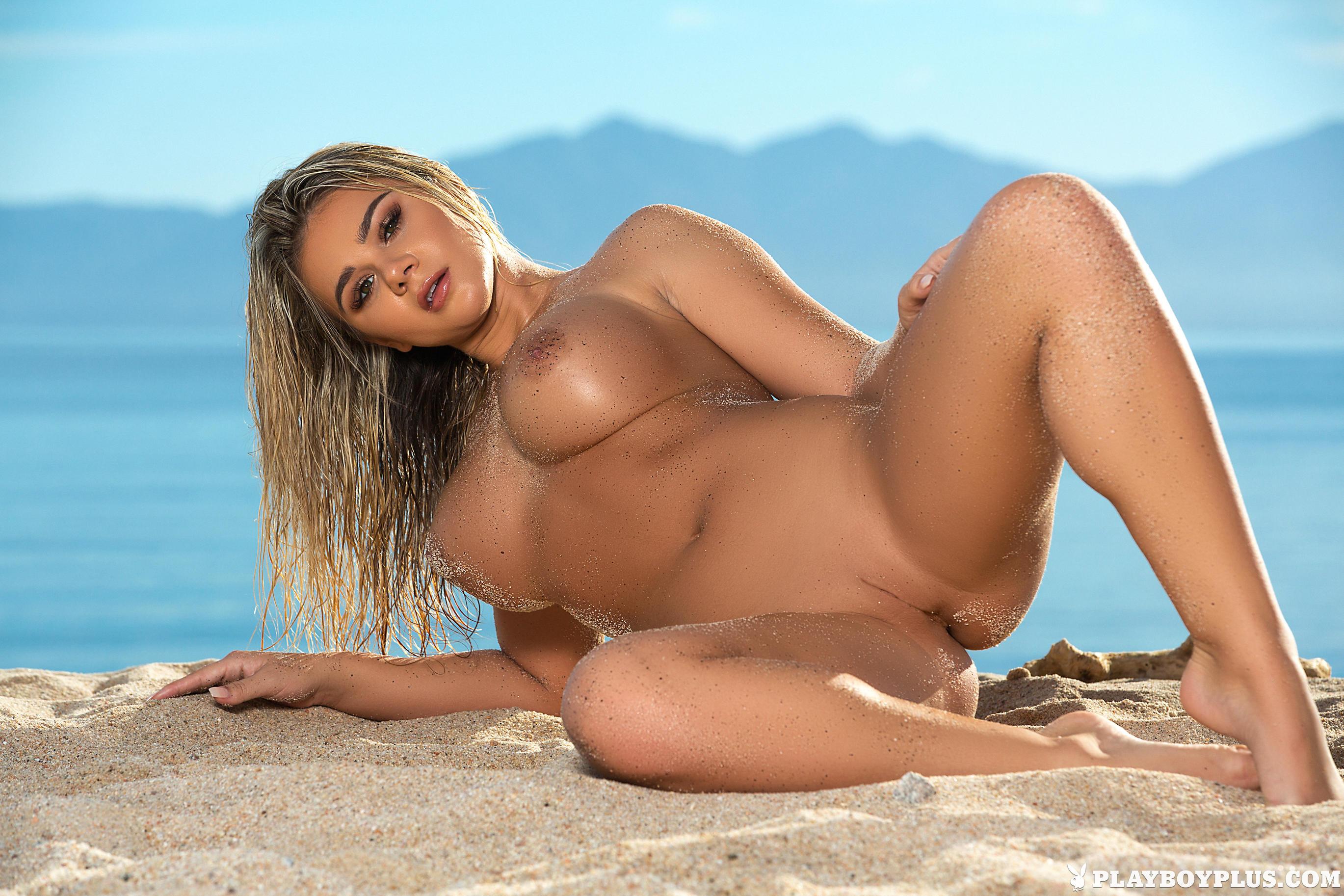 красивые голые девушки на пляже порно зрелые женщины