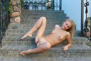 Бесплатные фото Omega B, модель, красотка, голая, голая девушка, обнаженная девушка, позы