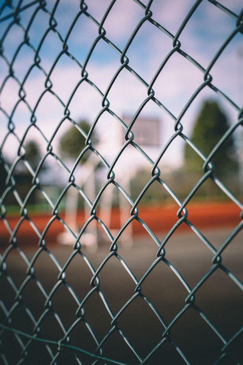 Обои Сетка, забор, размытость картинки на телефон