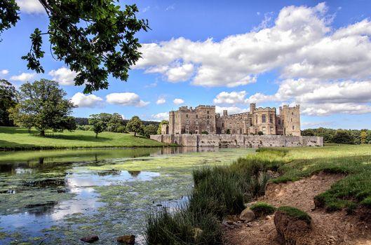 Заставки Замок Рэби, графство Дарем, Англия