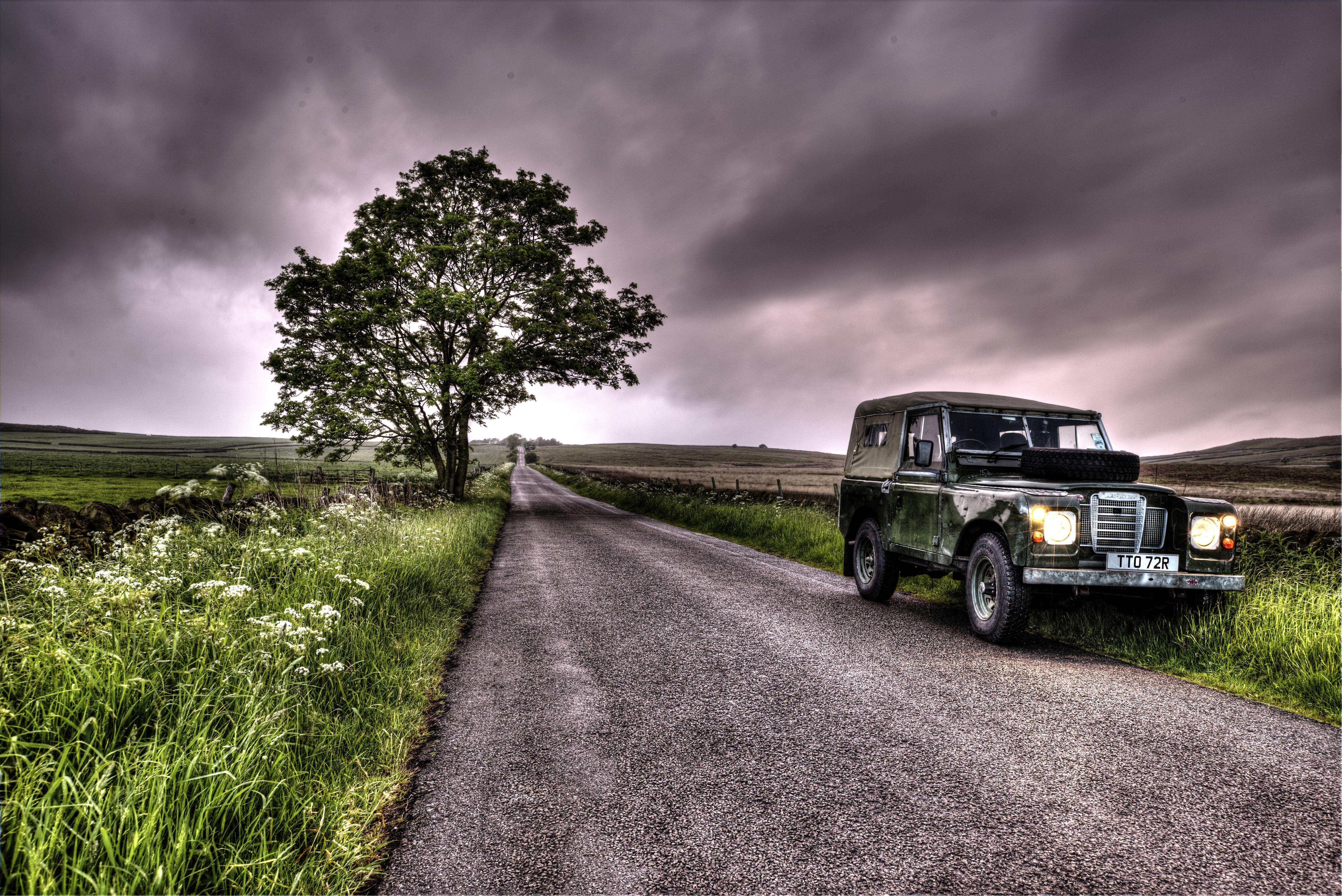 Обои поле, дорога, автоммобиль, Land Rover