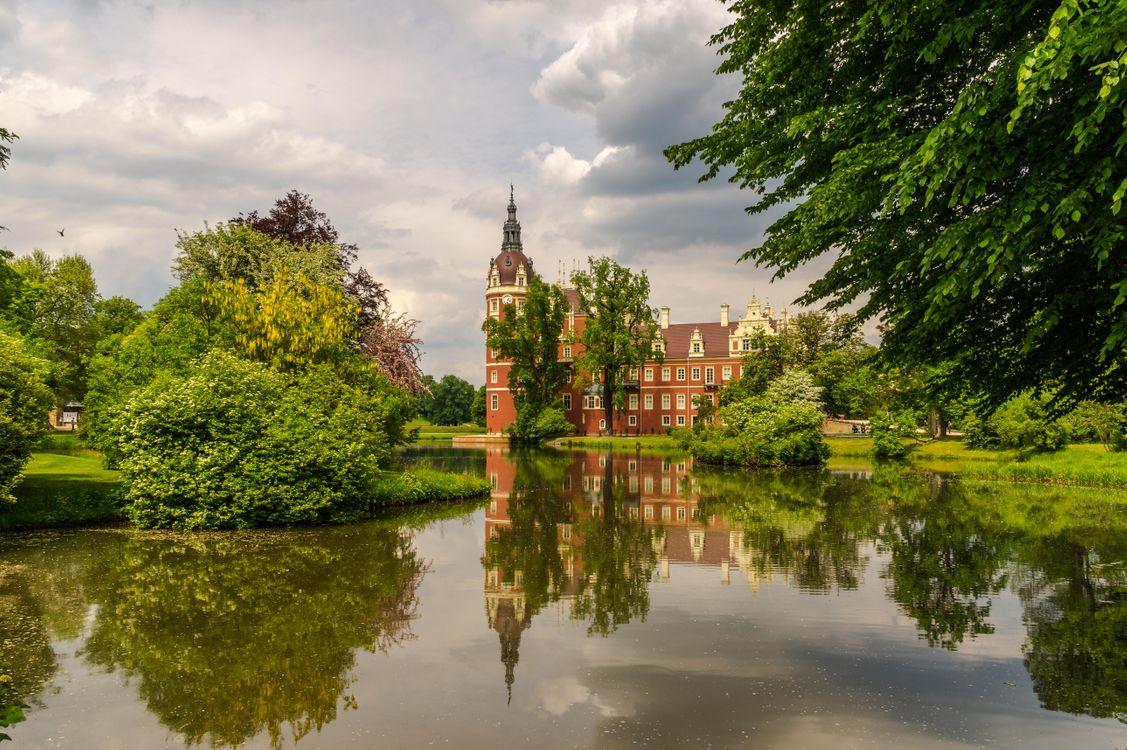 Обои Фюрст, Пюклер, Парк Бад-Мускау, замок, Германия, озеро, деревья, пейзаж на телефон | картинки пейзажи