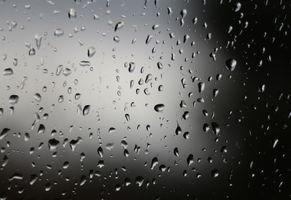 Бесплатные фото стекло,мокрое стекло,капли,капли на стекле,текстура,фон,чёрный