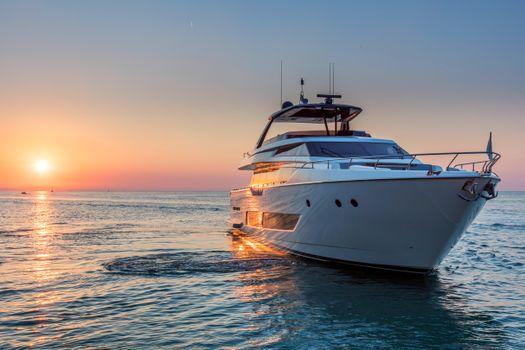 Фото море, яхта без регистрации