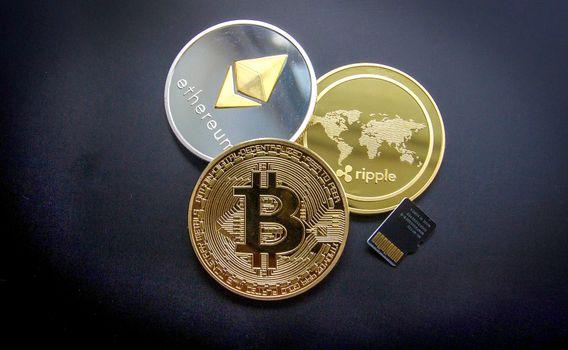 Photo free Bitcoin, Etherium, coins