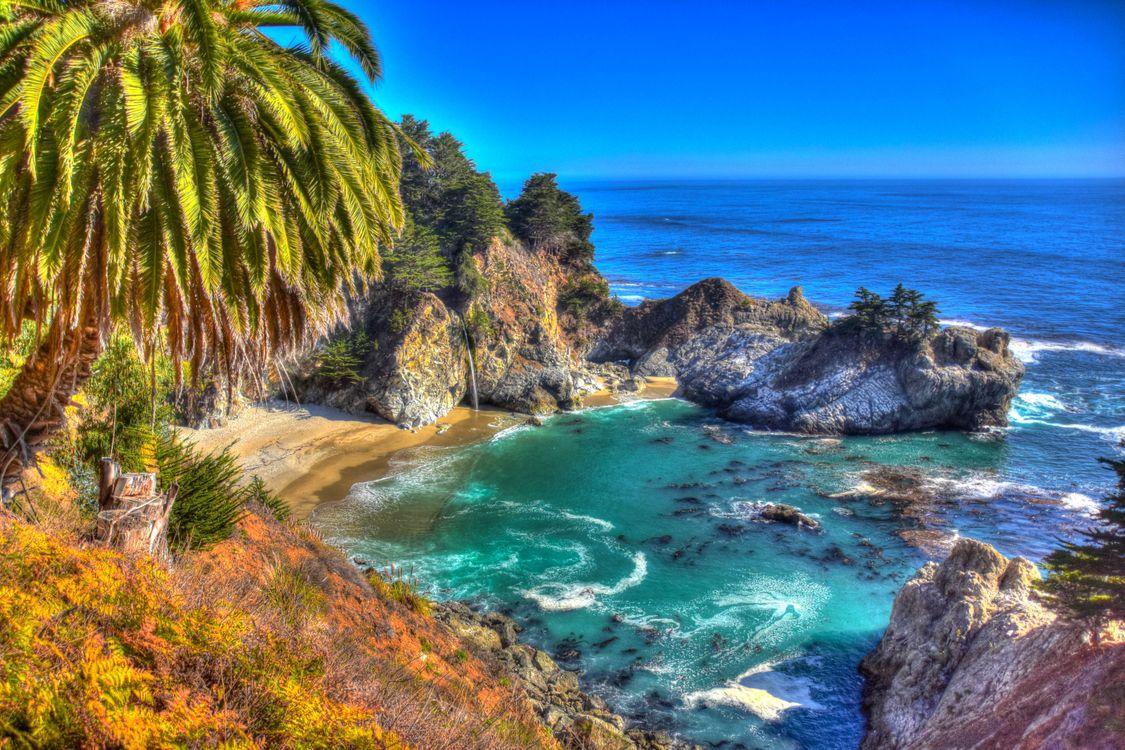 Фото бесплатно McWay Falls, Big Sur, California, Julia Pfeiffer Burns State Park, McWay Cove Beach, Биг-Сюр, Калифорния, Парк Джулии Пфайфер Берн, водопад, море, берег, пляж, пейзаж, пейзажи - скачать на рабочий стол