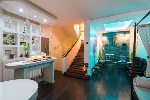 Бесплатные фото комната,лестница,интерьер,свет,иллюминация,мебель