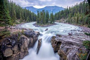Бесплатные фото Национальный Парк Джаспер,Канада,Sunwapta Falls,Jasper National Park,Canada,река,водопад