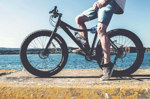 Фото бесплатно велосипед, велосипедист, ноги