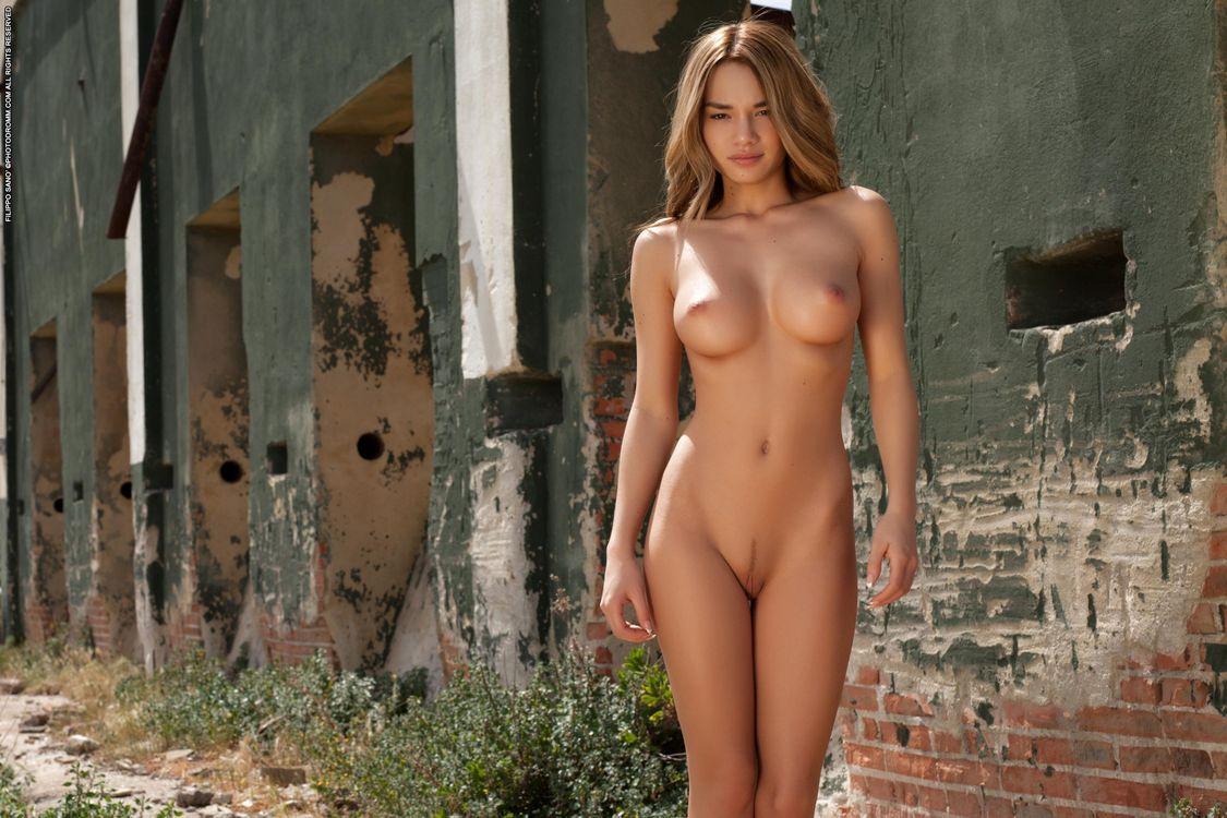 Самые красивые голые красавицы, Голые красотки сексуано позируют на фото 19 фотография