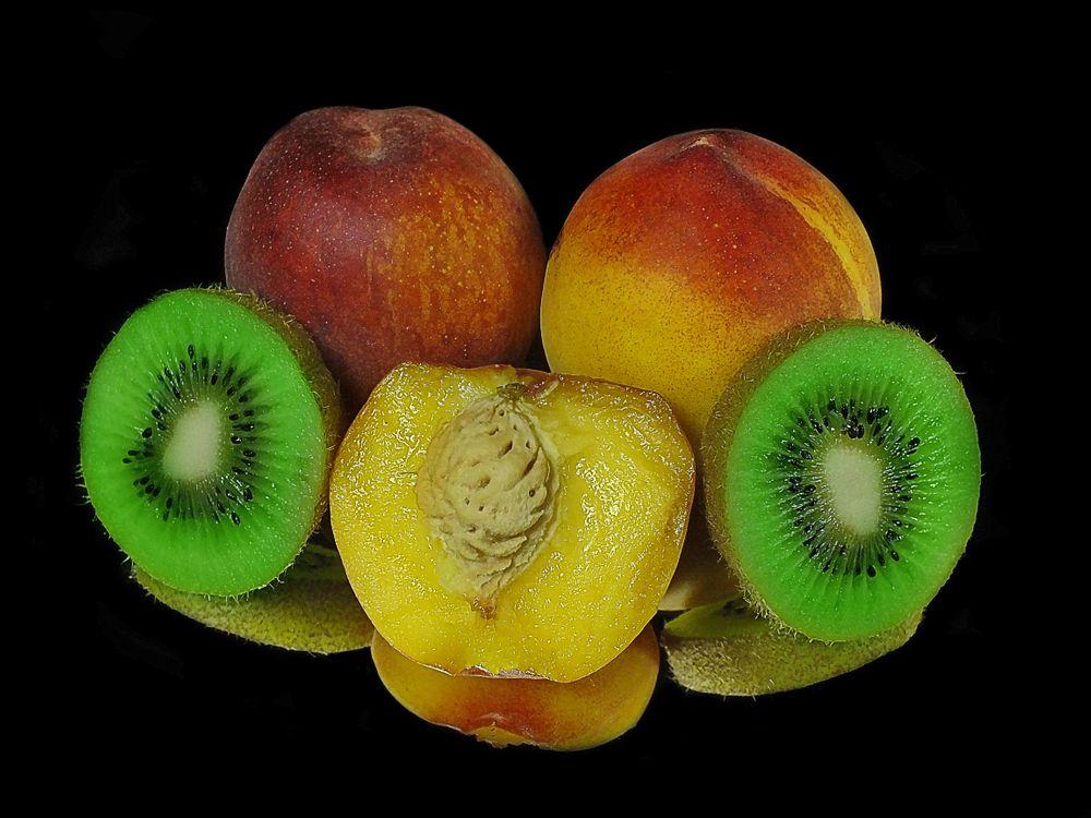 Фото бесплатно персики, киви, фрукты, еда, еда - скачать на рабочий стол