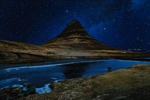 Бесплатные фото холм,река,звездное небо,ночь,hill,river,starry sky