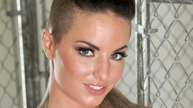 Бесплатные фото Christy Mack,брюнетка,порнозвезда,татуировки,крупный план