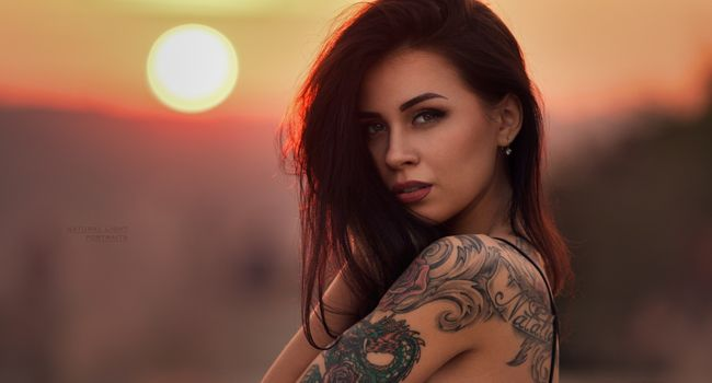 Photo free brunette, tattoo, sunset