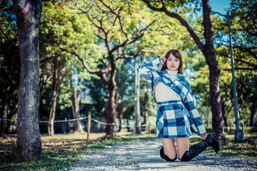Фото бесплатно девушки, прыгать, азиатка