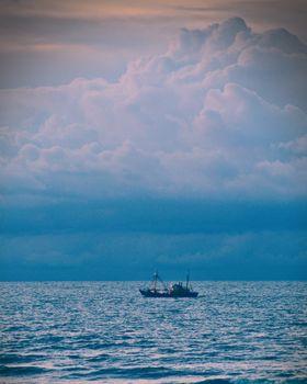Заставки корабль,море,горизонт,облака,ship,sea,horizon,clouds
