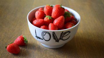 Фото бесплатно клубника, чаша, фрукты
