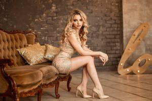 Бесплатные фото Екатерина Зорина,женщины,портрет,блондинка,сидя,брюнетка,платье