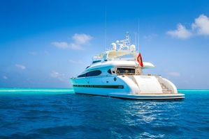 Beautiful pictures yacht sea free download