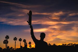 Photo free skateboard, silhouette, night