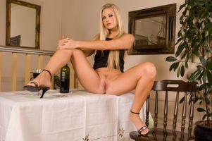 Бесплатные фото Jana E,красотка,голая,голая девушка,обнаженная девушка,позы,поза