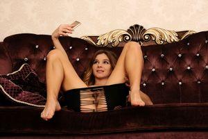 Бесплатные фото Kaleesy, красотка, голая, голая девушка, обнаженная девушка, позы, поза