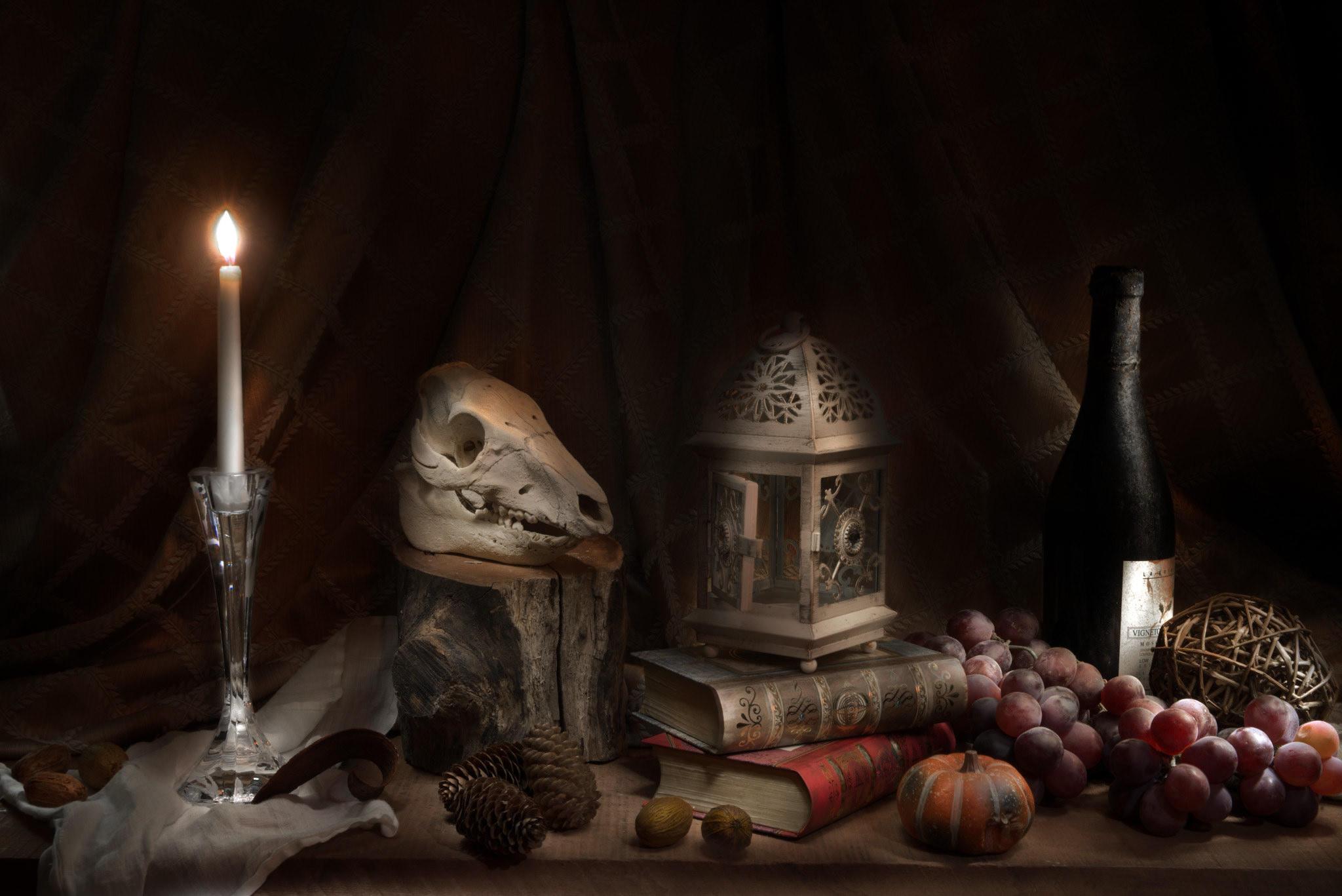 Обои натюрморт, стол, предметы, орехи