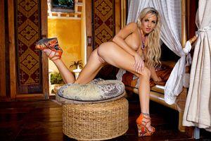 Бесплатные фото Skye Bee,красотка,голая,голая девушка,обнаженная девушка,позы,поза