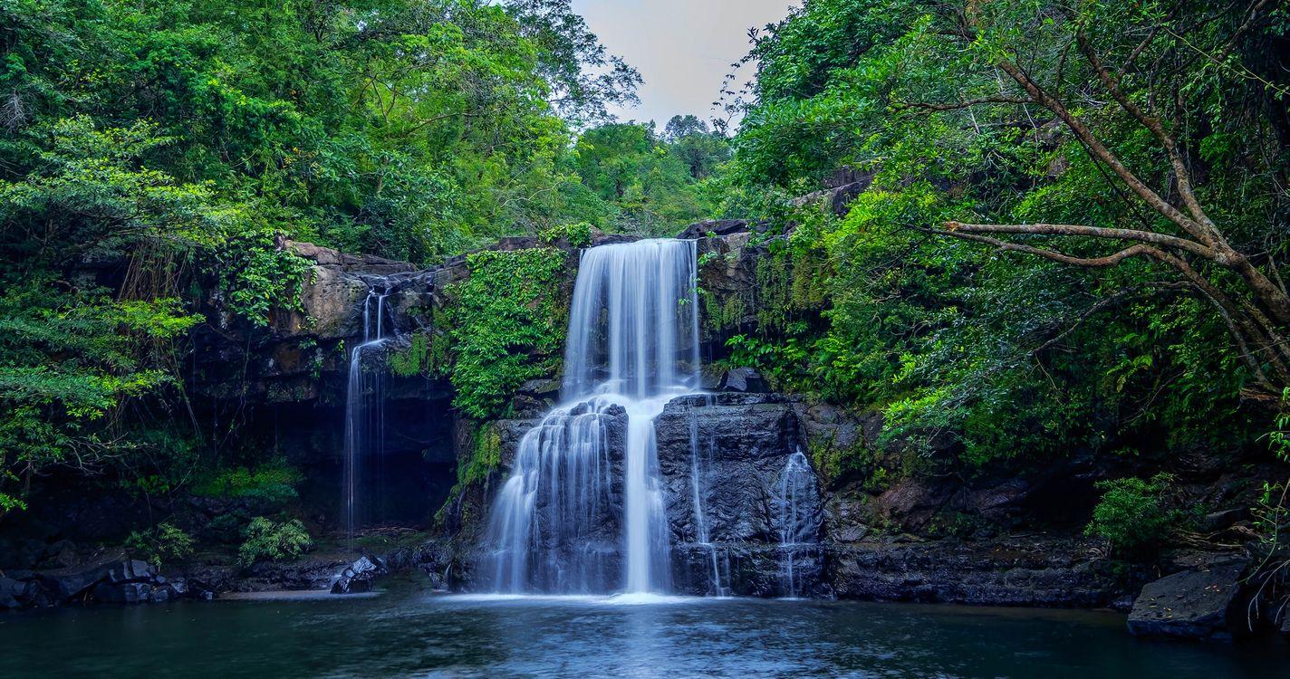 Фото бесплатно водоём, река, водопад, скалы, лес, деревья, природа, пейзаж, пейзажи