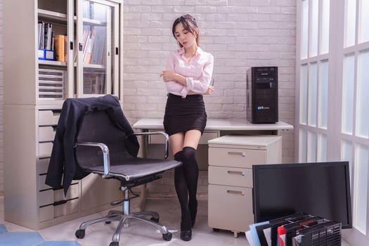 Фото бесплатно девушки, юбка, секретари