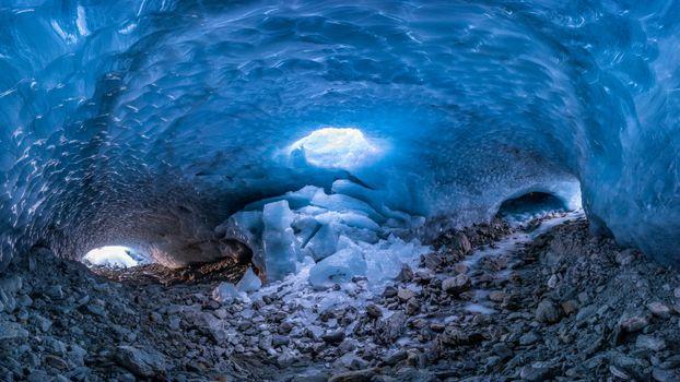 Фото бесплатно Большой собор в ледяной пещере в Энгадине, Граубюнден, Швейцария